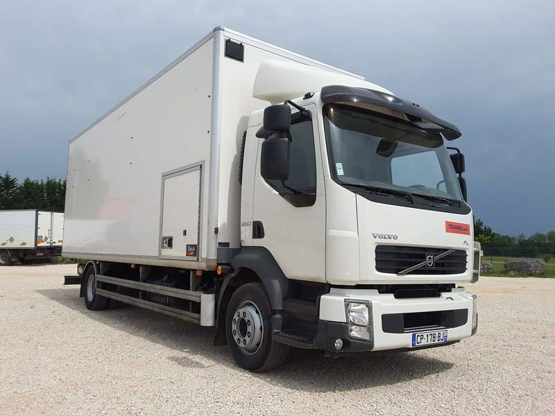 PORTEUR VOLVO FL260 FOURGON AMENAGE MAGASIN AMBULANT OCCASION